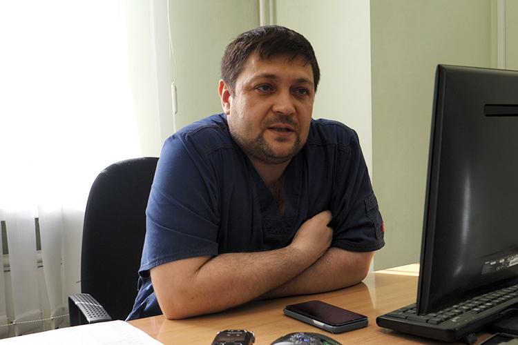 Руслан Хасанов:«Очень хорошо работали психологи, их было много. Они постарались развести родителей по кабинетам и разговаривали с ними, успокаивали. Я сам как родитель даже не хочу представлять, каково это»