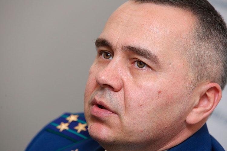 Стабильна декларация зампрокурора РТ Олега Даминова — в собственности у него земельный участок площадью 1728 кв. м и жилой дом на 322,1 кв. метра. Доход прокурора в 2020-м году составил 2,9 млн рублей