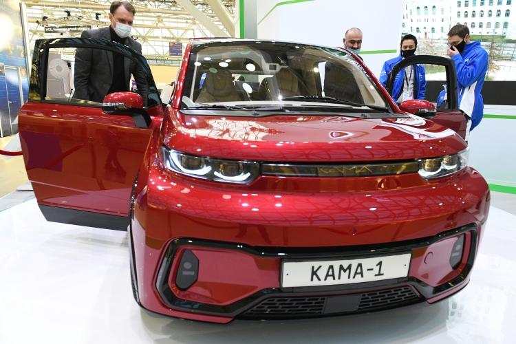 «Кама-1» стал первым российским электромобилем, который полностью разработан наоснове технологии цифровых двойников испециализированных цифровых платформ