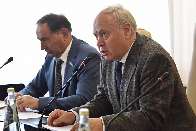 Константин Толкачев:«Если мыобратимся кнашему советскому прошлому, товспомним, что охраны школ небыло вообще, иникто при этом детей нестрелял иневзрывал»