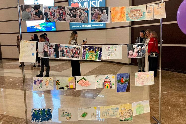 Культурный центр «ДАР» показал с десяток детских рисунков на религиозную тему