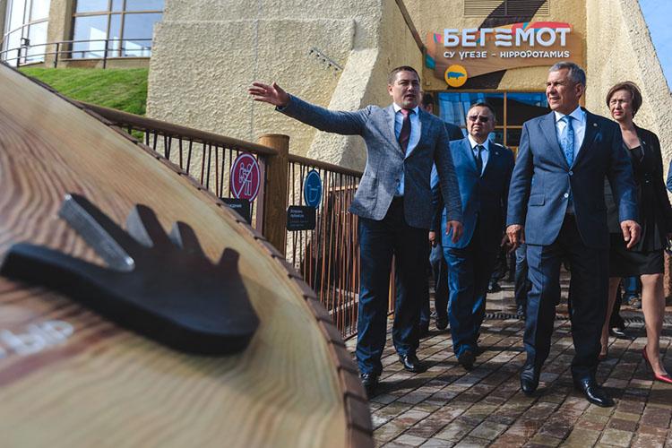 Самый известный идолгий этапНурмухаметова— это Казанский зооботсад, один изстарейших зоопарков России. Онстал его директором в2012 году