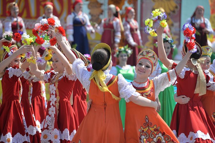 Истосковавшимся помассовым гуляниям необязательно ждать Сабантуя. Уже вэту субботу, 22мая вселе Русское Никольское Лаишевского района РТпройдет традиционный фольклорный праздник Каравон