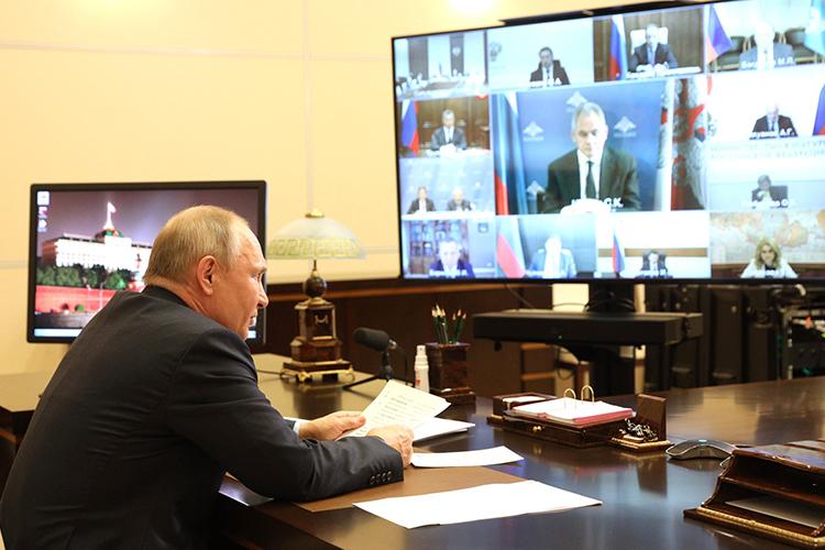 Владимир Путин:«Разного рода русофобы инечистоплотные политики пытаются бить понашей истории, проталкивать идеи пересмотра итогов Второй мировой войны»