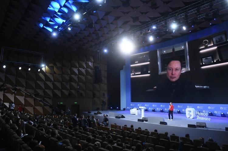 Сегодня нароссийской площадке марафона «Новое знание» выступил основатель Tesla иSpaceXИлон Маск