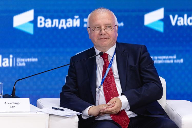 Александр Рар: «Вам приходится жить сЕвропейским союзом, укоторого нет своей армии, военной или геополитической стратегии— нет унас этого»