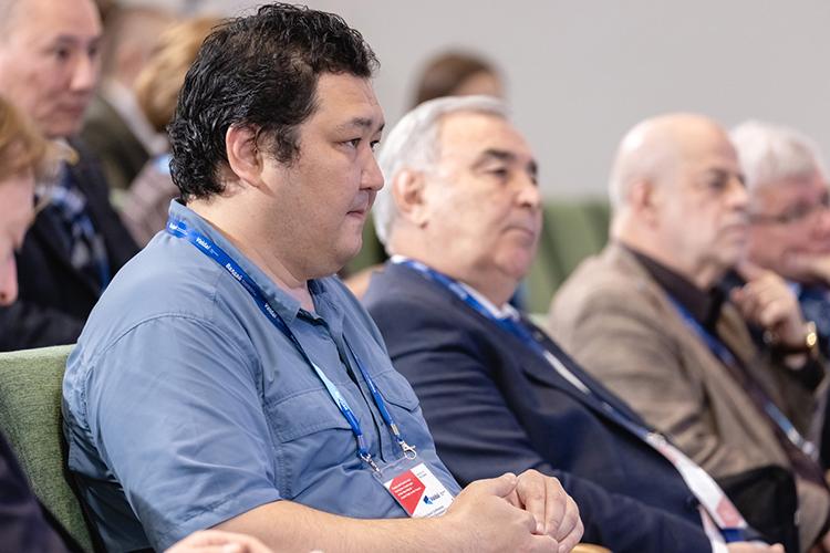 Марат Шибутов: «Мыже знаем, что экология Европы была спасена нетем, что европейцы стали сознательными, атем, что они перенесли все грязные производства вКитай, оставив китайцам рак икучу других заболеваний, скоторыми имсправляться еще 100 лет»