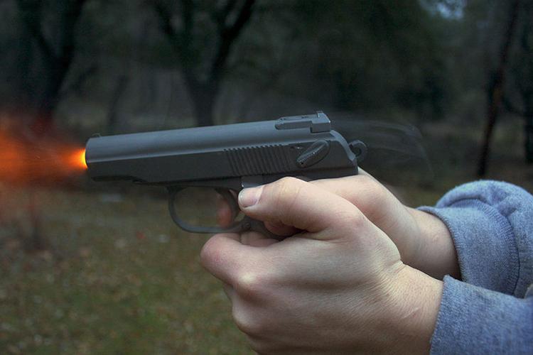 Была установлена цель преступления— изУправления спецсвязи пропали 67 пистолетов системы «Макарова» иболее 700 патронов