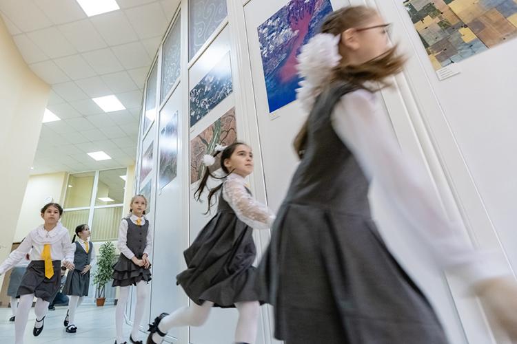 Лицей №35— образовательный центр «Галактика» (ул. Гарифа Ахунова, д.10 А) оказался на19-й позиции.Школа— суглублённым изучением космической тематики