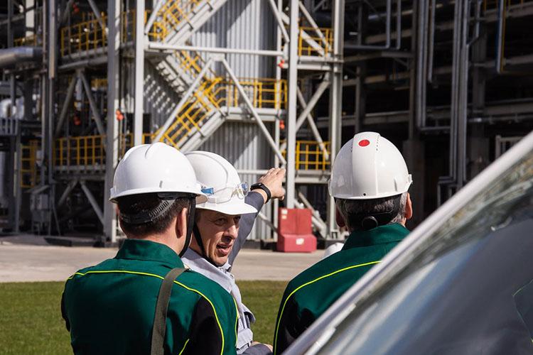 Наиль Маганов: «На самом деле это большие заводы, которые мы раньше возводили многие и многие годы, вводили по одному в пятилетку и очень гордились. Сегодня мы их поставили на поток»