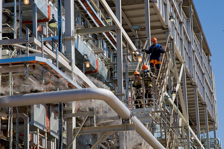 «Водород — это тот продукт, который создает возможности для углубления переработки нефтесырья и одновременно помогает очищать нефтепродукты от серы, азота, ароматических и непредельных углеводородов. В результате получаем качественную продукцию»