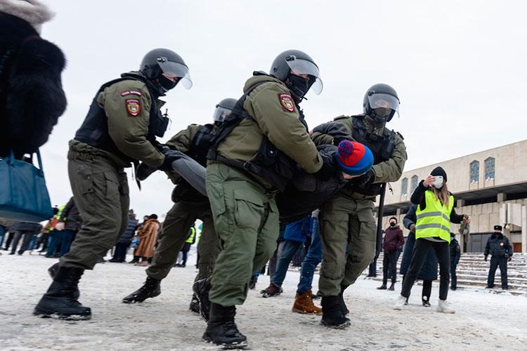 «Теперь уже понятно, что ранний старт кампании Навального вэтом году оказался ошибкой. Потому что посути дела ондал повод для зачистки организационной инфраструктуры протеста»