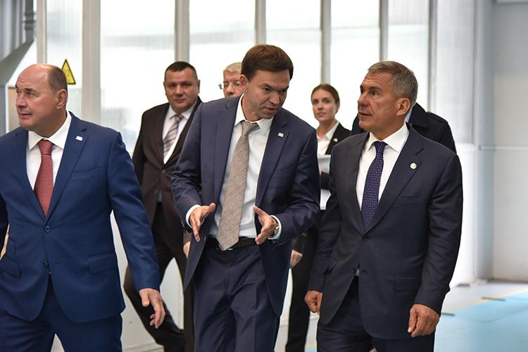 Холдинговая компания Ак Барс и ее гендиректор Иван Егоров (слева) - большая поддержка в делах завода