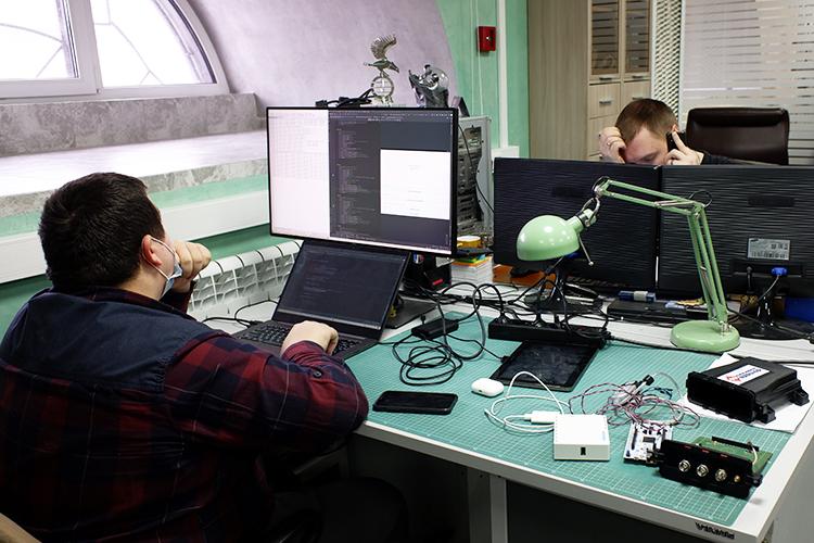 «Мыготовим программистов-физиков, химиков, медиков, биологов. Ипросто программистов тоже, ноони досконально разбираются в«железе»