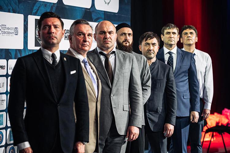 ВТатарстане историю грэпплинга можно отсчитывать смарта 2021 года. Тогда федерацию этого вида спорта возглавил соучредитель национального комплекса «Туган Авылым»Радик Абдрахманов (третий справа)