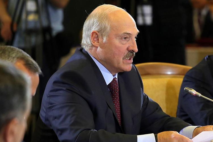 Александр Лукашенко:«Как мыипрогнозировали, наши недоброжелатели извне, даивнутри страны, изменили методы атаки нагосударство. Они преступили множество красных линий, перешли границы здравого смысла ичеловеческой морали»