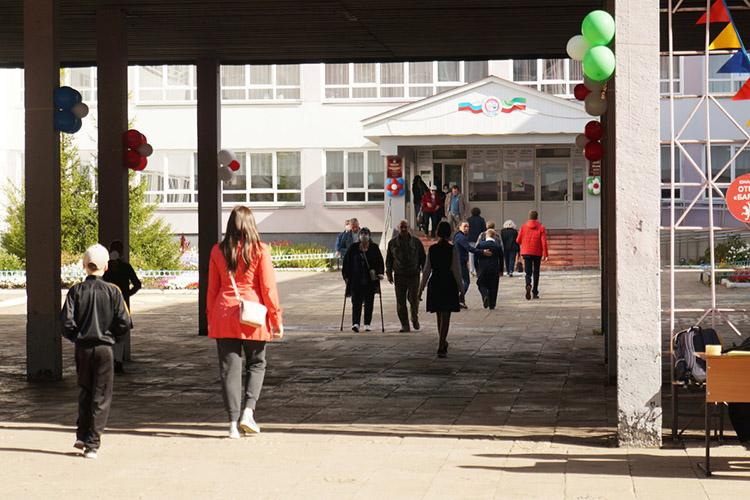 220млн рублей город планирует использовать для решения технических вопросов, связанных собеспечением безопасности школ идетских садов