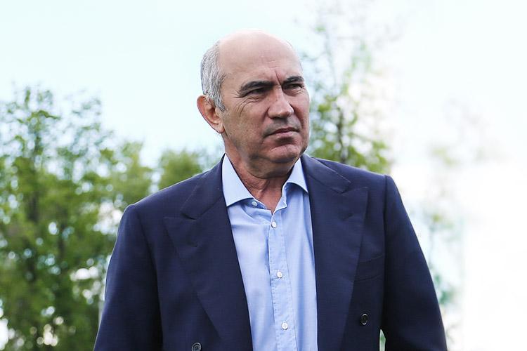 Курбан Бердыев нашел работу в Казахстане в футбольном клубе«Кайрат».Покаже его работа будет носит скорее номинальный характер