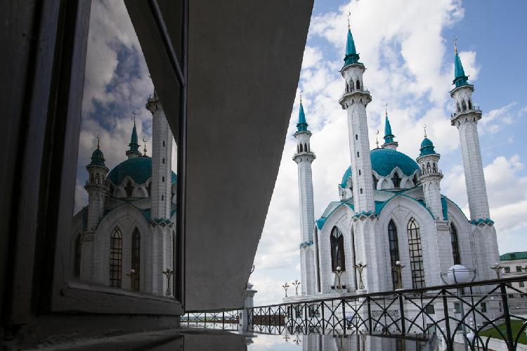 Татарстан— это регион, где укрепился светский ислам без радикальных толков, носейчас ислам по-разному трактуют ииспользуют для того, чтобы свергнуть власть, развязать бунты ивойны