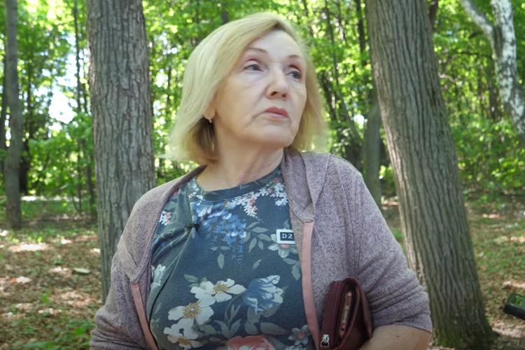 Лилия Веренич:«Последнее обновление деревьев было вовремя войны. Тутже был техникум наместе усадьбы где-то с1930-х, уменя мама здесь училась наагронома-садовода. Тут понескольким профессиям сельскохозяйственным обучали молодежь. Они сажали этот новый сад»