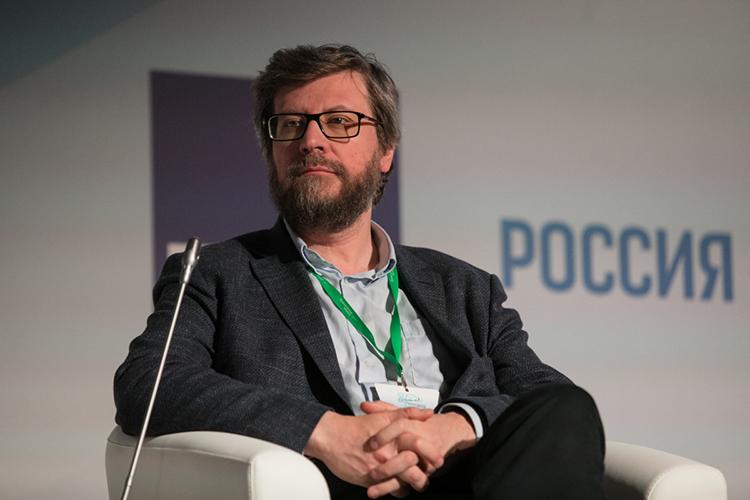 Федор Лукьянов: «Изтого, что можно вообразить, более понятна ипредставима версия, что это была операция белорусских спецслужб. Потому что янезнаю, каким изощренным умом надо обладать, чтобы кому-то состороны организовать такую подставу»