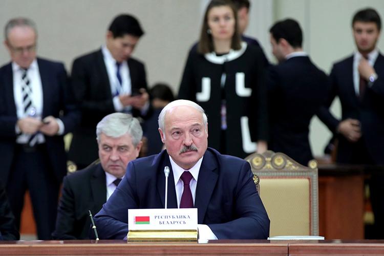 «Яхорошо понимаю Александра Лукашенко, хотя, естественно, ясним никогда невстречался. ВБелоруссии сейчас происходит наш 1991 год, скоторого мыиначали беседу»