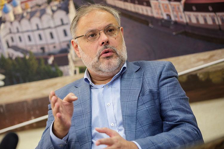 Михаил Хазин: «Тут же собрался Евросоюз, который приостановил пролет самолетов через Беларусь, не имея 100-процентных доказательств, что Батька поступил как-то нехорошо»