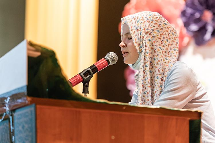 Важность постижения тайн Священной Книги для мусульманок хотябы втом, что, как правило, первым устазом, тоесть наставником ребенка, выступает именно мама