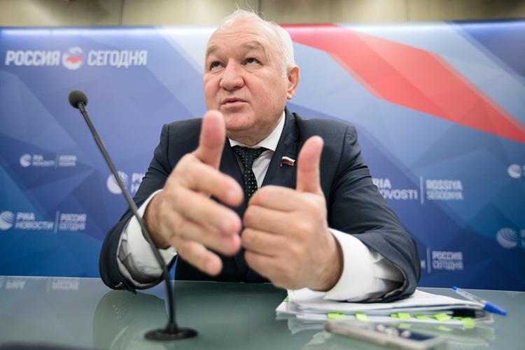 Суверенностью можно сказать, что первыми татарстанцами, кто окажется вГосдуме этой осенью, станет одномандатная шестерка. Кним примкнул действующий депутат ГосдумыИльдар Гильмутдинов