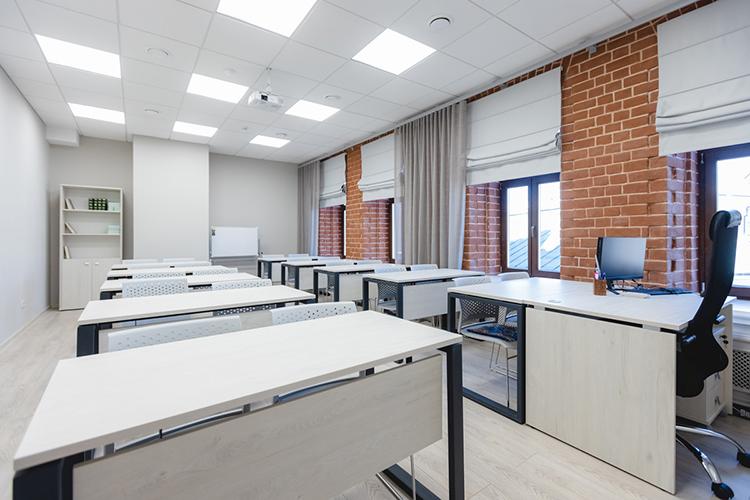 Насегодняшний день учебный корпус полностью оснащен новой мебелью, компьютерной испециальной учебной техникой икондиционированием помещений