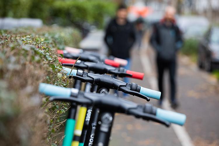 «Велосипедный шеринг несоздал бум— вотличие отсамокатов, этот вид транспорта требует большей сноровки»