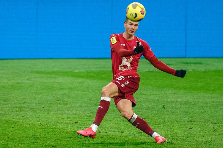 Несмотря на то, что за Хвичей Кварацхелией выстроились в очередь европейские клубы, самым подорожавшим игроком стал не он, а теневой лидер «Рубина» Оливер Абильдгор