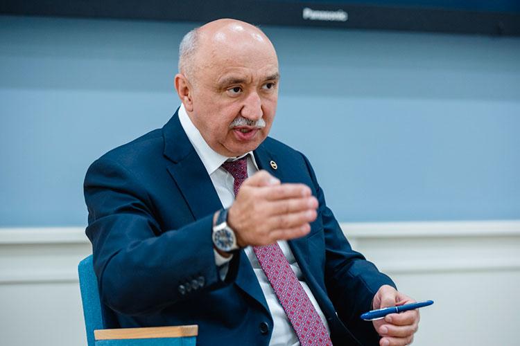 Ильшат Гафуров: «Предлагаю рассмотреть в дальнейшем вопросы организации пейнтбола и страйкбола. По сути, мы детей изначально учим стрелять в человека»