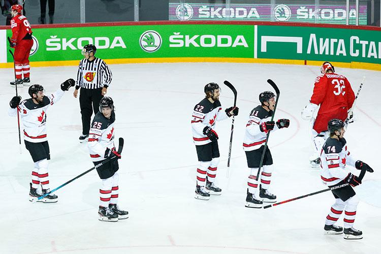 Главной интригой перед матчем ¼ финала ЧМ был выбор основного вратаря. Сергей Бобровский, прибывший в сборную из НХЛ всего несколько дней назад, 11 дней не имел игровой практики