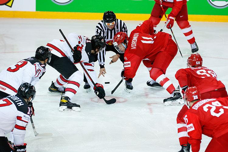 Для главного тренера сборной России Валерия Брагина поражение канадцам стало вторым за два года: ранее он, будучи тренером молодежки, уступил финал «кленовым листьям»