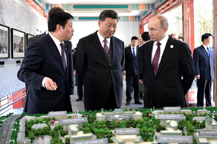 «Все высокопоставленные и среднепоставленные деятели, с которыми нам приходится общаться, все время задают нам вопрос: почему вы не боитесь Китая?»