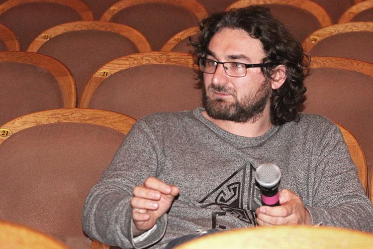 Замыкает вторую пятерку художественный руководитель театра кукол «Экият»Ильгиз Зайниев, чей семейный доход загод снизился намиллион— с5,3млн до4,3млн рублей