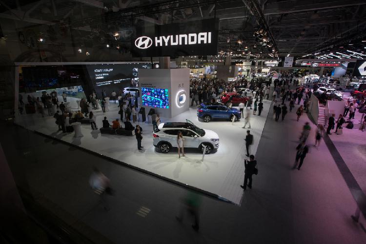 Первую тройку замыкает также корейская Hyundai. Близнец KIA Rio, Solaris, оказалась самой часто продаваемой машиной. Стоит она практически также— до1,2млн рублей