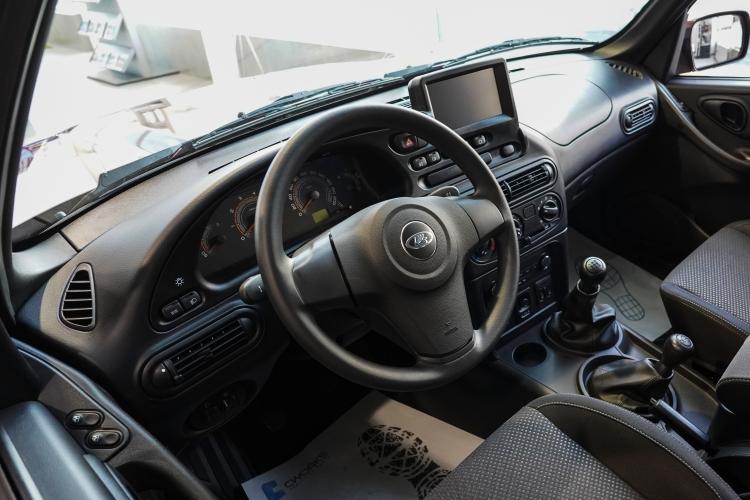 Самую дорогу модель АвтоВАЗа мы нашли в Казани за 1,9 млн рублей — это LADA 4×4 (Нива)