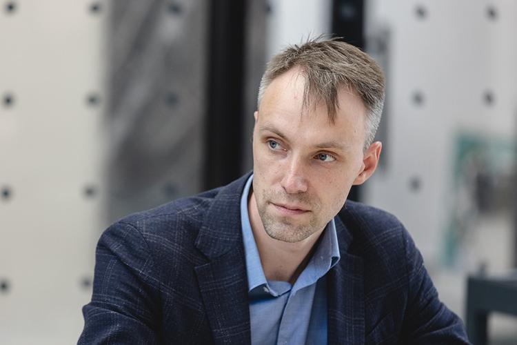 Роман Новиков: «Канализация— такая система, которая постоянно изнашивается. Нонеобходимого объема средств для приведения всех сетей водворах внормативное состояние врамках наших тарифов нет»