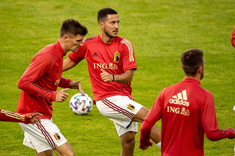 Не совсем понятно, каким на Евро приедет капитан Эден Азар. Два последних сезона из клубной карьеры он бы с радостью вычеркнул