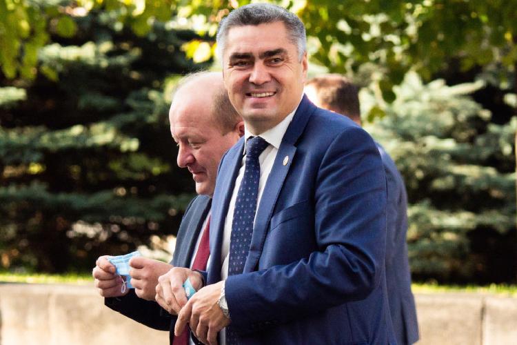 Доход главы Камско-Устьинского районаНаиля Вазыховасоставил 7,1млн против 8,83млн в2019 году