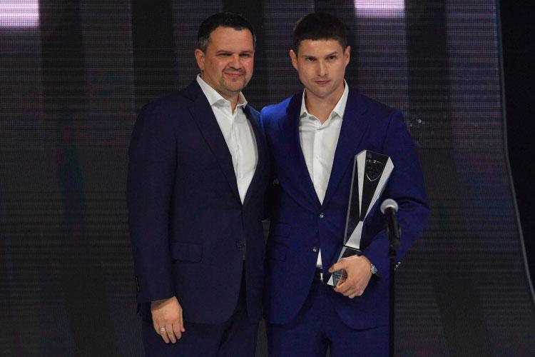 За своими наградами пришли только Вадим Шипачёв (справа), Дмитрий Яшкин, Егор Чинахов и Павел Дацюк