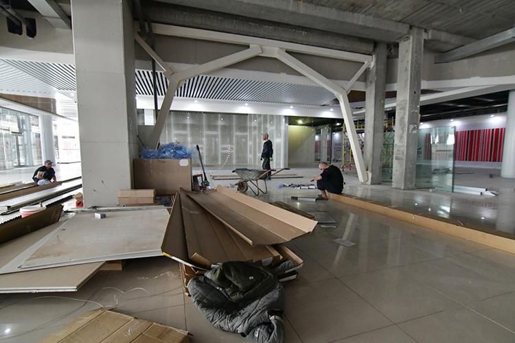 ВКазани иокрестностях вближайшее время откроются сразу несколько новых торговых центров «районного» формата— едвали неводворах жилых домов,вшаговой доступности как продуктовые формата «удома»