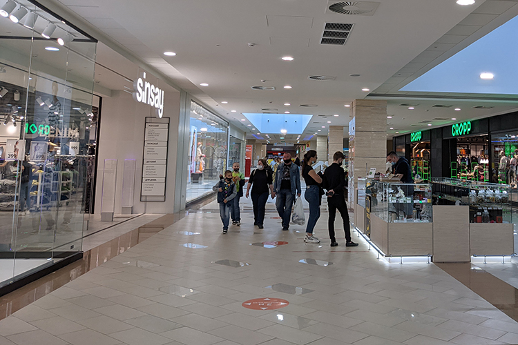 Торгово-развлекательный центр «Южный» восстановился впосещаемости посравнению с2020 годом, отметили впресс-службе. Сейчас ТЦвышел напоказатели «доковидной» весны 2019 года