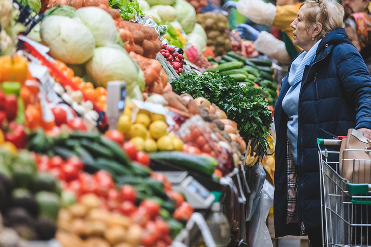 Полноценный рацион требует еще иклетчатки. Самый доступный вариант— капуста, хотя она подорожала смарта поиюнь на200% до50 рублей закг, что на128% выше прошлогоднего уровня ина108%— июня-2016