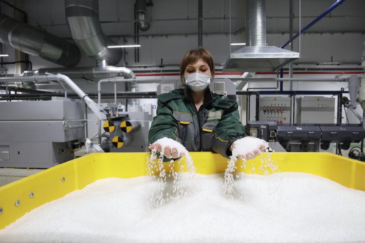 Возможность создания наплощадях нижнекамского НПЗ производств разного рода химической продукции была предусмотрена еще назаре стройки комплекса— в2005–2006 годах