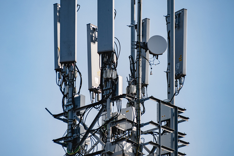 В ближайшее время покрытие 5G будет развиваться точечно. Напомним, первую вРоссии пилотную пользовательскую сеть 5G МТС запустила вв14 отдельных районах Москвы вначале марта