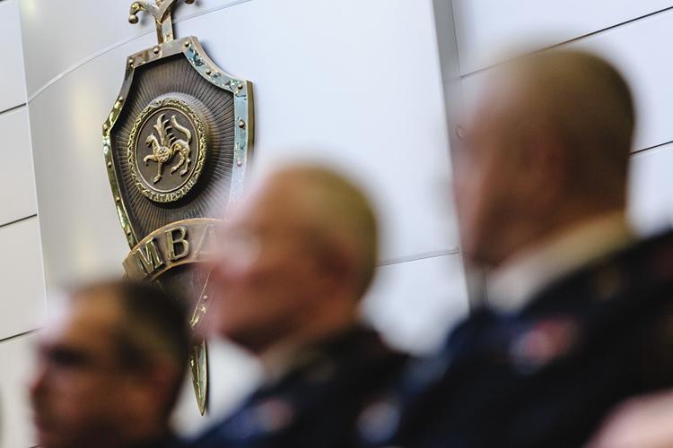Всерьез рассматривается решение, покоторому одним издействующих генералов силовых ведомств республики вближайшее время может покинуть нетолько свой пост, ноиправоохранительную систему вцелом