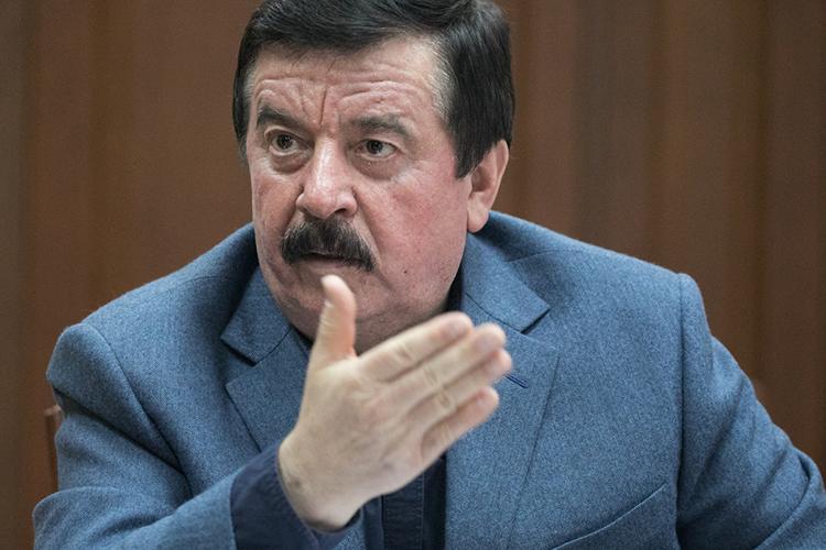 Сергей Шахрай:«В депутатском корпусе РСФСР было 86 процентов коммунистов. Нелибералы инедемократы, ачто нинаесть красные изкрасных директоров, члены КПСС, ккаковым относился ия»